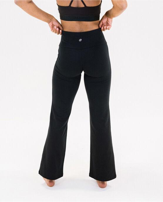 "Women's 31.5"" Bootcut Yoga Pant Black Small BLACK"